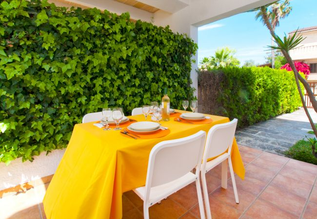 Villa en Platja de Muro - GAVINES :) Casa soleada para 4 personas en Playa de Muro. AC y WiFi gratis