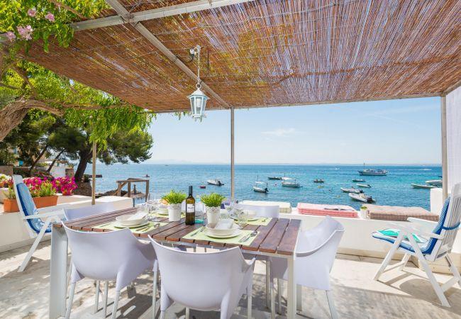 Villa en Aucanada - CANOSTRA :) Encantadora casa para 4 personas en Alcanada, Alcudia. AC y WiFi gratis