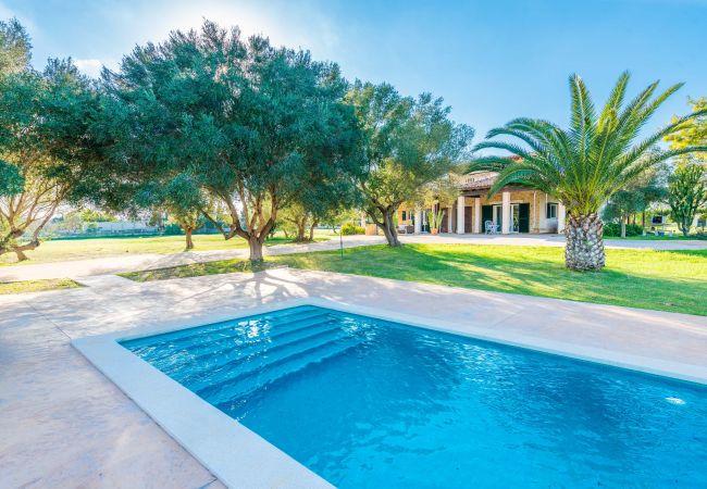 Finca en Muro - SON MORRO :) Villa relajada en Santa Margalida para 6 personas. AC y WiFi gratis