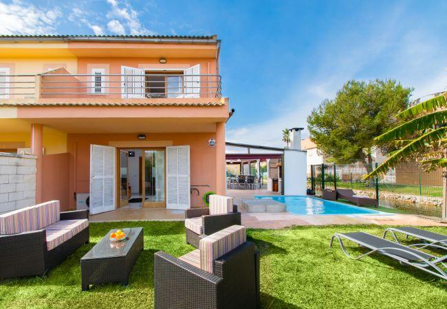 Villa en Alcúdia - BLAU:) Villa para 6 personas en Puerto de Alcudia. WiFi y AC