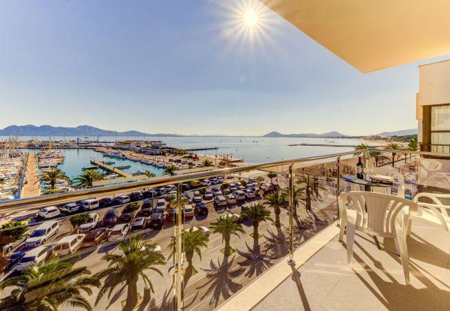 Apartamento en Port de Pollença - FAROLES 4 :) Apartamento para 5 personas frente al mar! AC y WiFi gratis