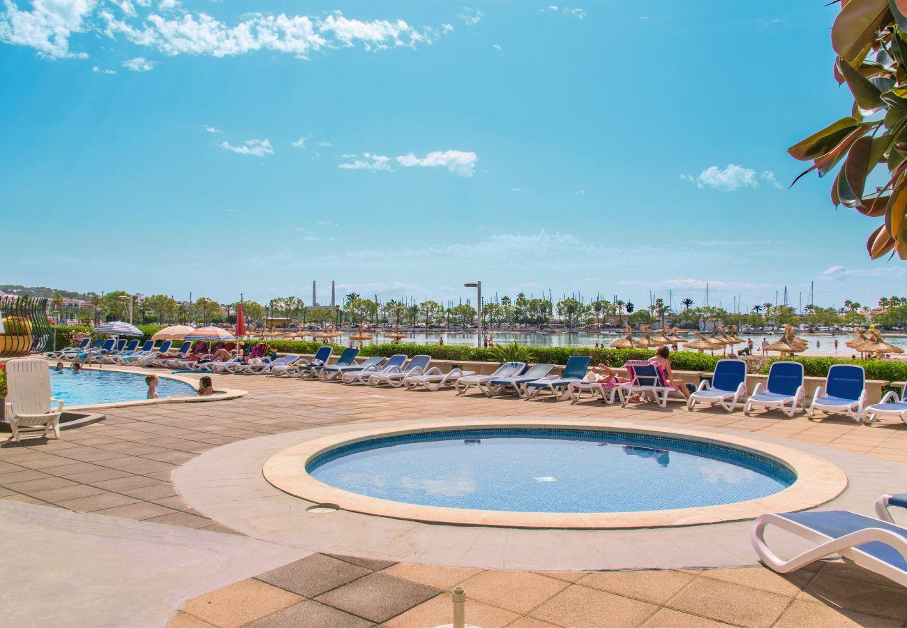 Ferienwohnung in Alcudia - CARABELA BEACH für 4 mit Pool nur 10 m vom Strand