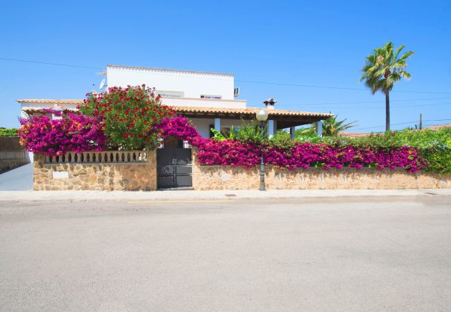 Villa in Alcudia - FISHERMAN :) Charming villa for 6 people in Es Barcares, Alcudia. AC and free WiFi.