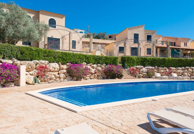 Townhouse in Cala Romantica - ROMANTICA :) Haus 350mtr to the beach for 8 people